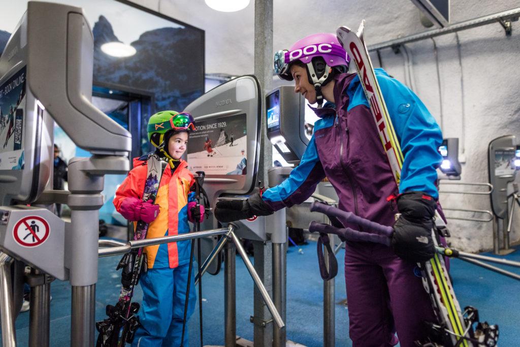 Les participants à la table ronde ont évoqué le parcours numérique de l'hôte d'une station comme Zermatt.